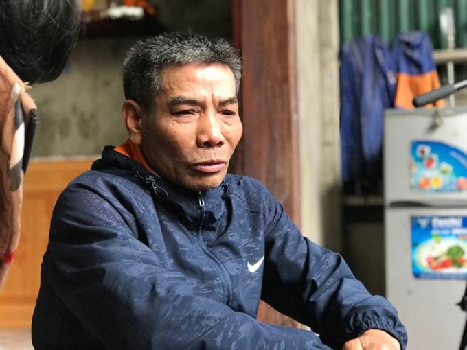 Ông nội bé Trang buồn bã nhắc tới cháu gái xấu số.