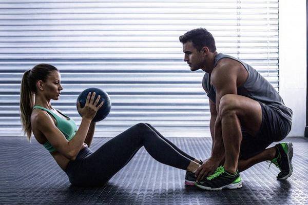 Ma Kết - Tập luyện cùng huấn luyên viên riêng Ma Kết cần có nhiều động lực hơn để chăm chỉ tập luyện trong năm nay. Vì vậy, bạn nên có một huấn luyện viên riêng để gợi ý bài tập và đốc thúc tập luyện.