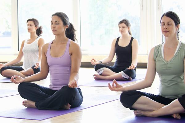 Song Ngư - Yoga Tập yoga đều đặn sẽ mang đến cho Song Ngư những khoảng lặng cần thiết để sạc năng lượng, đồng thời tăng cường sự dẻo dai.