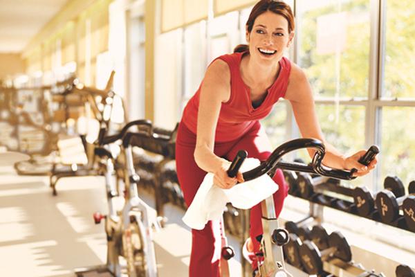Cự Giải - Đạp xe trong nhà Bài tập này giúp đốt cháy mỡ thừa rất hiệu quả. Đạp xe trong nhà cải thiện lưu lượng máu trong cơ thể của bạn và làm tăng tốc độ trao đổi oxy trong máu.