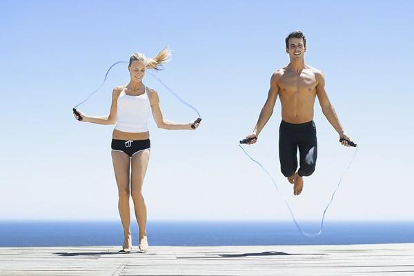Thiên Bình - Nhảy dây Bài tập nhảy dây đơn giản nhưng cũng giúp đốt cháy năng lượng hiệu quả. Thiên Bình có thể rủ thêm một người bạn đồng hành trong quá trình tập luyện để thêm hưng phấn.