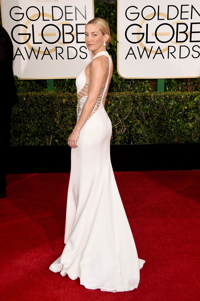 Cũng tại lễ trao giải năm 2015, cô đào 38 tuổi - Kate Hudson - ghi dấu ấn khó quên với mẫu đầm trắng gợi cảm của Atelier Versace.