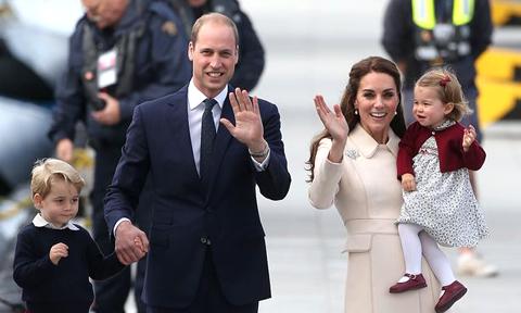 Hoàng tử William không dắt tay con gái mỗi khi xuất hiện trước công chúng