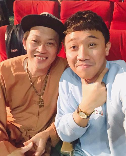 Trấn Thành và danh hài Hoài Linh bận rộn tập luyện cho liveshow ở Đà Nẵng.