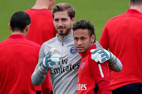 Neymar và thủ thành người Đức mới trở thành đồng đội sau khi cựu sao Barca gia nhập PSG mùa hè vừa qua.