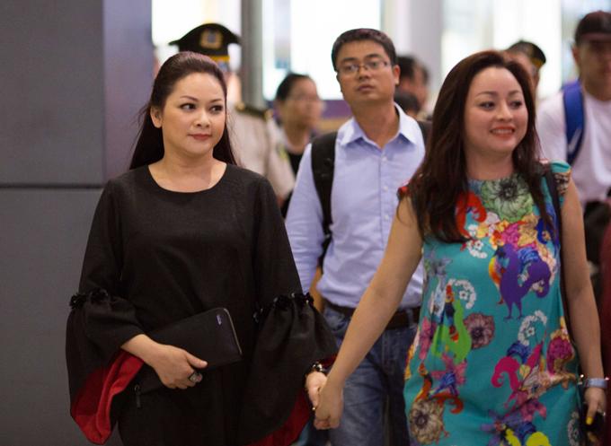 Như Quỳnh về nước vào khuya 4/1 để chuẩn bị cho hai đêm liveshow diễn ra tại Hà Nội vào 26 và 27/1 tới.