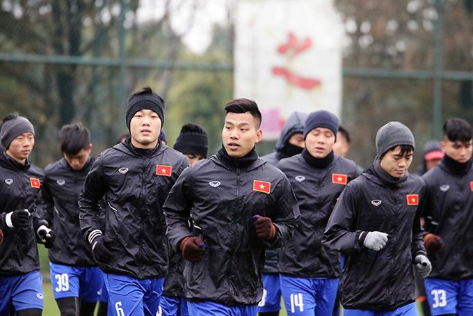 Sáng 5/1, U23 Việt Nam trở lại sân tập để tiếp tục chuẩn bị cho vòng chung kết U23 châu Á 2018 sau khi hòa 1-1 với U23 Palestine trong trận giao hữu chiều 4/1.