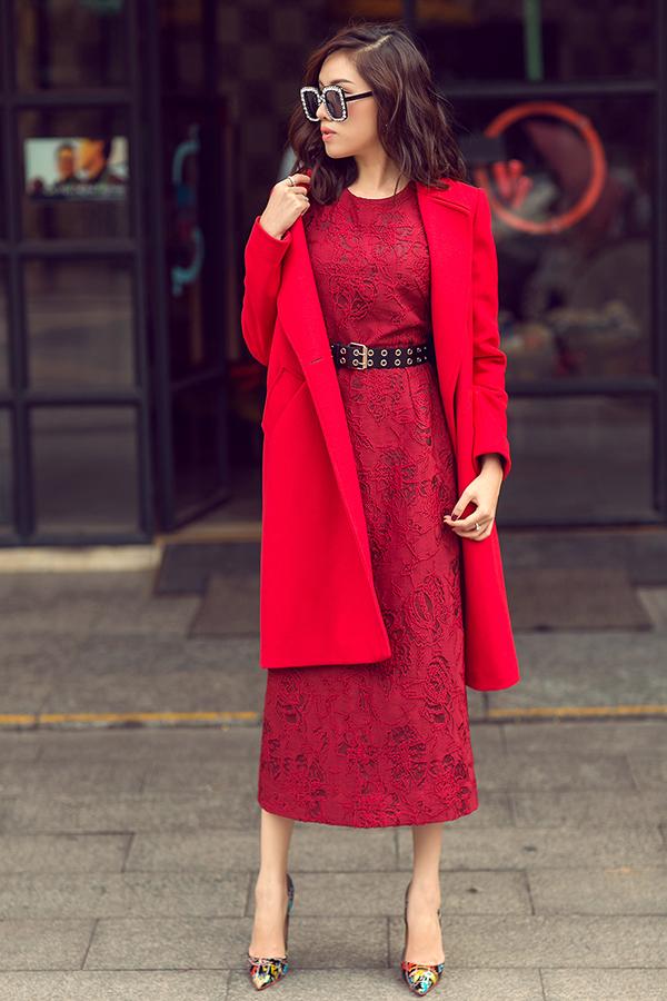 MC Thanh Thanh Huyền rực rỡ sắc đỏ cùng váy Đỗ Mạnh Cường - 3