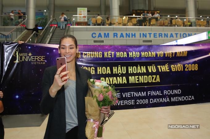 Hoa hậu Hoàn vũ từng đăng quang ở Nha Trang rạng rỡ ngày trở lại - 3