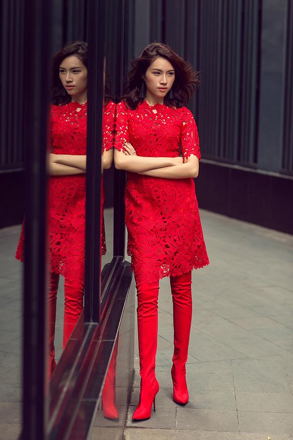 MC Thanh Thanh Huyền rực rỡ sắc đỏ cùng váy Đỗ Mạnh Cường - 11