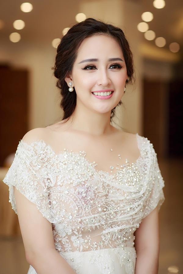 Mai Phương Thuý đăng quang Hoa hậu Việt Nam đã được 12 năm. Năm 2006, cô được xướng tên trong cuộc thi được tổ chức tại chính thành phố biển Nha Trang. Đó cũng là một trong những lý do khiến ban tổ chức Miss Universe Vietnam mời Mai Phương Thuý ngồi ghế nóng cùng Miss Universe 2008 Dayana Mendoza - cũng là người đẹp giành chiến thắng tại Nha Trang.