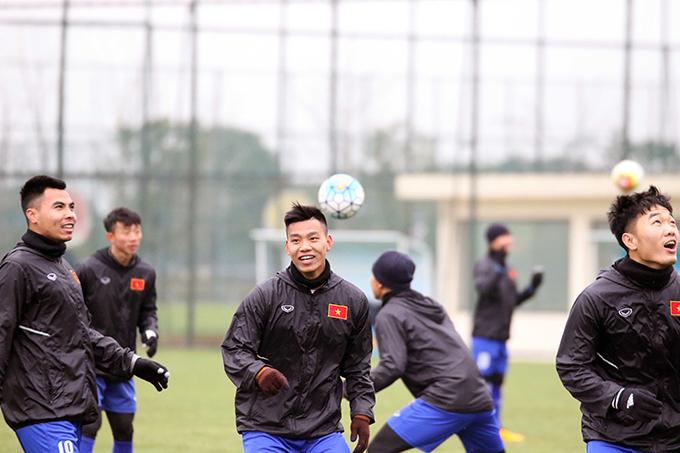 Ở trận đấu với Palestine, các cầu thủ nỗ lực thi đấu trong điều kiện mưa lạnh. Điều này khiến HLV Park Hang Seo lo ngại họ sẽ gặp các vấn đề về sức khỏe. Tuy nhiên, đáng mừng là tất cả các cầu thủ đều đã trở lại với trạng thái sung sức.
