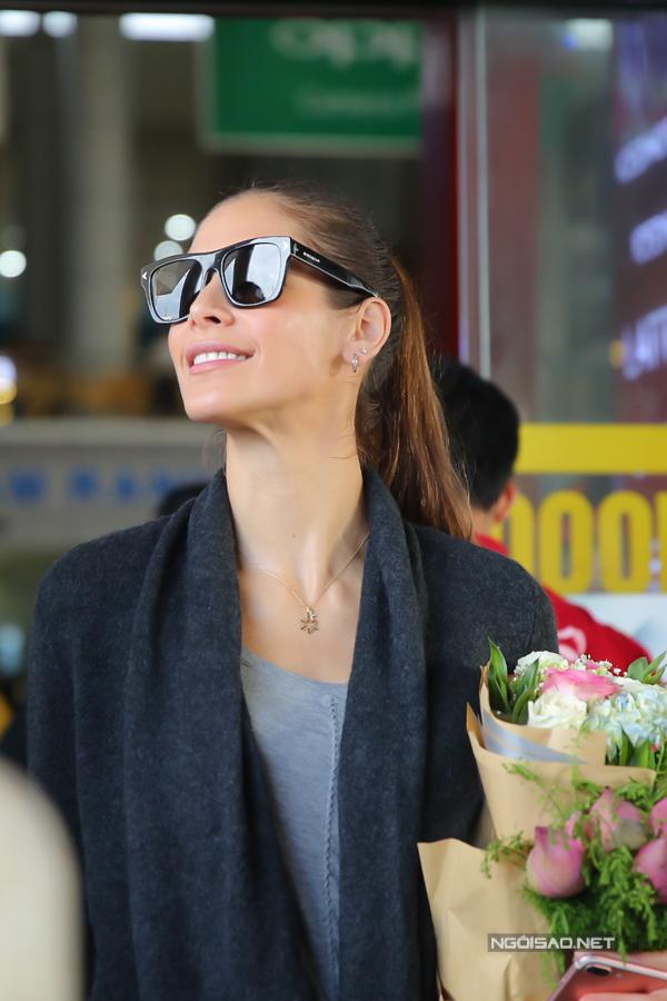 Hoa hậu Hoàn vũ từng đăng quang ở Nha Trang rạng rỡ ngày trở lại - 7