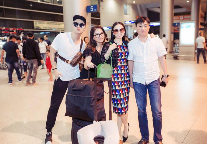 Hà Phương tiết lộ, cô sẽ tổ chức nhiều hoạt động quảng bá cho bộ phimFinding Julia mà cô sản xuất và tham gia diễn xuất tại Sài Gòn. Cô cũng ra mắt cuốn sách cùng tên ở trong nước. Riêng Minh Tuyết thì vừa tranh thủ thăm gia đình vừa bận rộn chạy show.