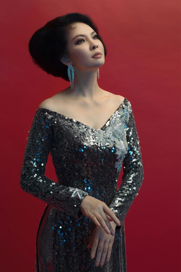 Từ khi tái hôn, Thủy Hương ít xuất hiện trong các hoạt động của làng giải trí.