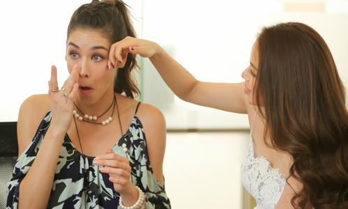 Miss Universe 2008 Dayana Mendoza khóc khi nói tiếng Việt lời cảm ơn Việt Nam