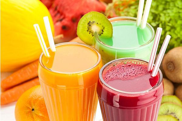 Nước ép hoa quả Uống nước ép hoa quả khi bụng đói sẽ gây kích thích đường ruột, làm rối loạn tiêu hoá.