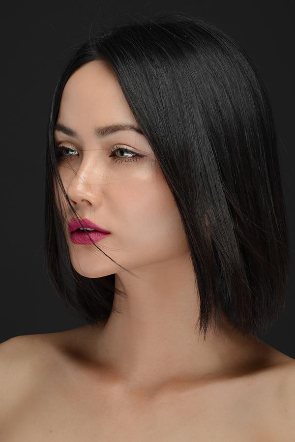 Một màu son khó nhằn khác được HHen Niê dự đoán sẽ hot trở lại trong năm 2018 là màu tím violet.