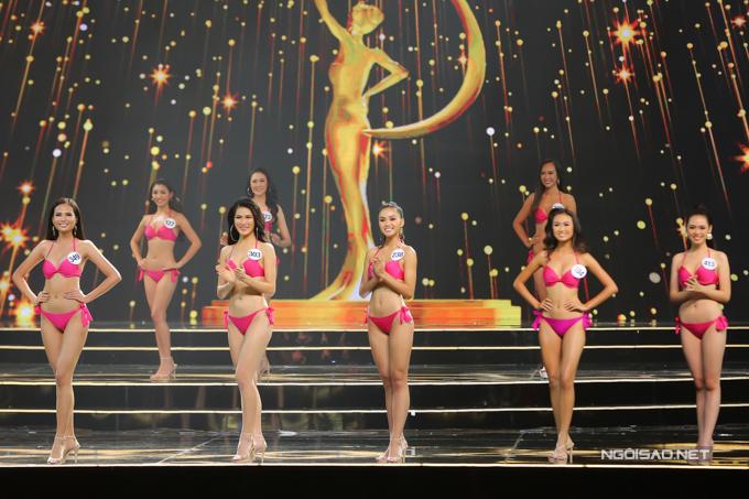 Top 15 khoe sắc trong phần trình diễn bikini.