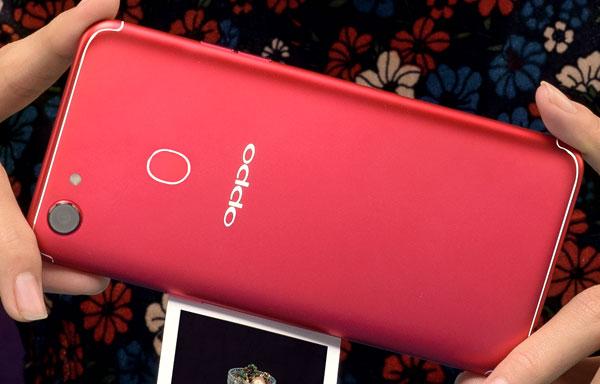 Oppo F5 phiên bản màu đỏ lên kệ ngày 13/1