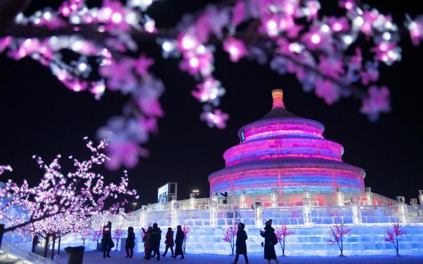 Lễ hội băng đăng lớn nhất thế giới khai trương ở Trung Quốc - 2