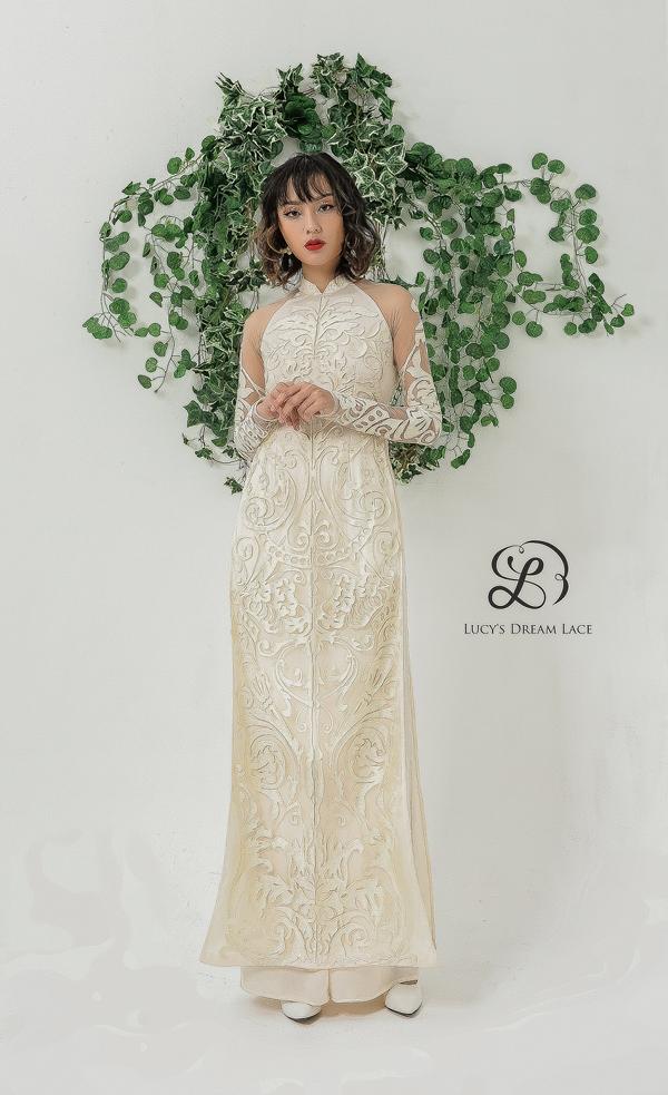 50 khách hàng đặt may váy cưới ren hội họa Lucys Dream Lace đầu tiênsẽhưởng chương trình ưu đãi của thương hiệu.