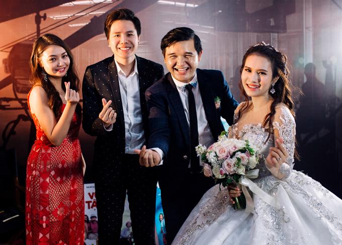 Ca sĩ Trịnh Thăng Bình cùng nhiều bạn bè mừng Võ Thanh Hòa yên bề gia thất ở tuổi 29.