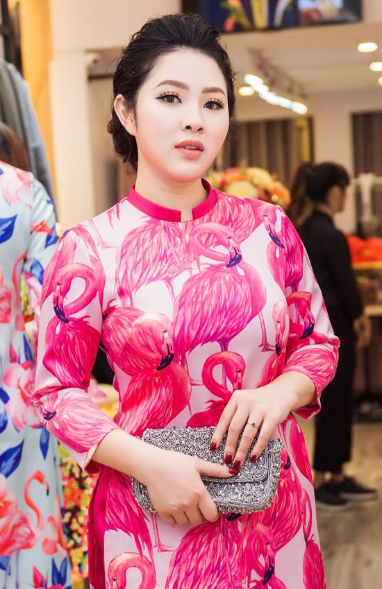 Việt Anh không sợ vợ ghen khi mặc dài đôi với Đan Lê - 1
