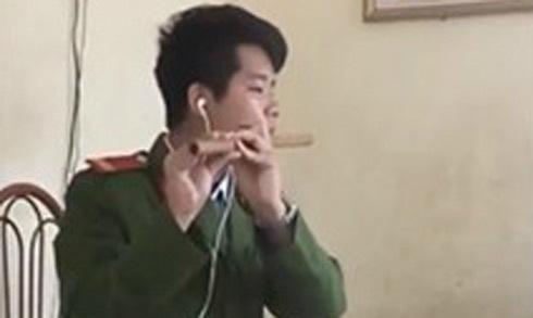 Chiến sĩ cảnh sát cover ca khúc 'Buồn của anh' bằng sáo trúc