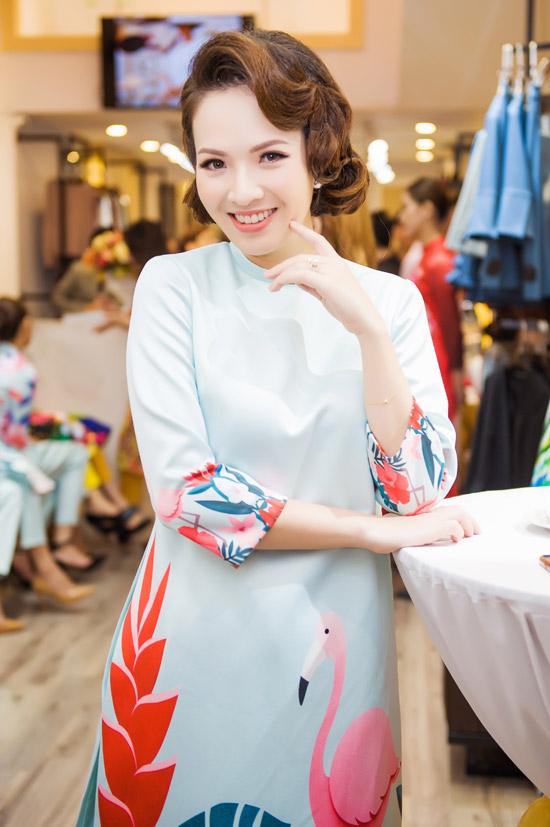 Việt Anh không sợ vợ ghen khi mặc dài đôi với Đan Lê - 3
