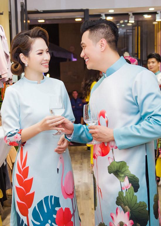 Việt Anh không sợ vợ ghen khi mặc dài đôi với Đan Lê - 9