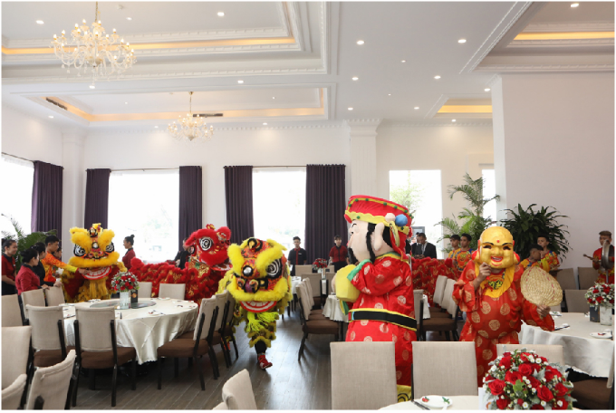 Lễ khai trương diễn ra ấm cúng với sự tham dự của những vị khách mời thân thiết.
