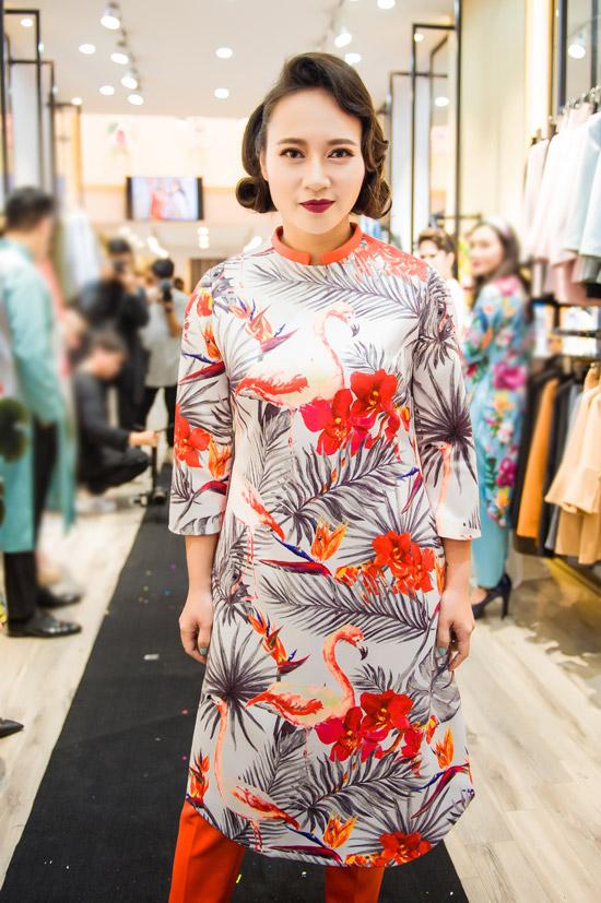 Việt Anh không sợ vợ ghen khi mặc dài đôi với Đan Lê - 2
