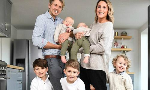Căp vợ chồng bán hết nhà cửa, đưa 5 con trai đi du lịch thế giới