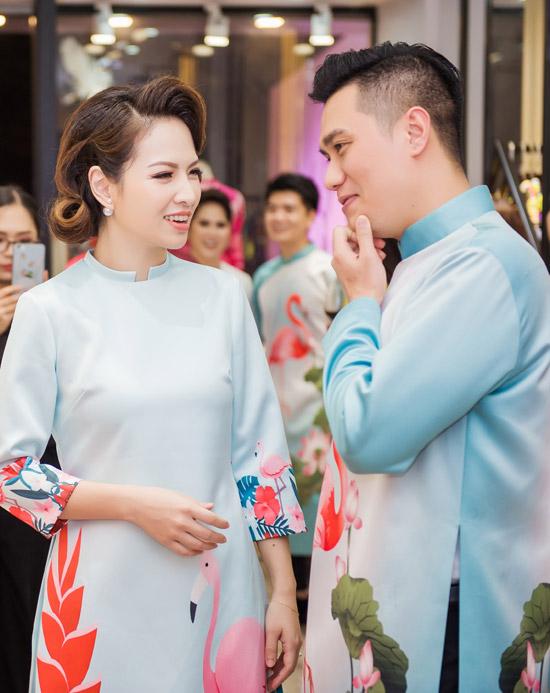 Việt Anh không sợ vợ ghen khi mặc dài đôi với Đan Lê - 6