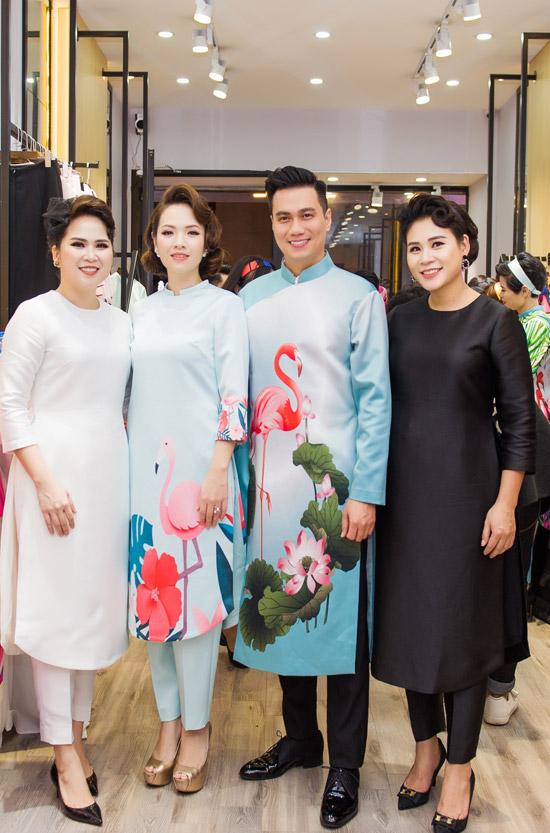 Việt Anh không sợ vợ ghen khi mặc dài đôi với Đan Lê - 8