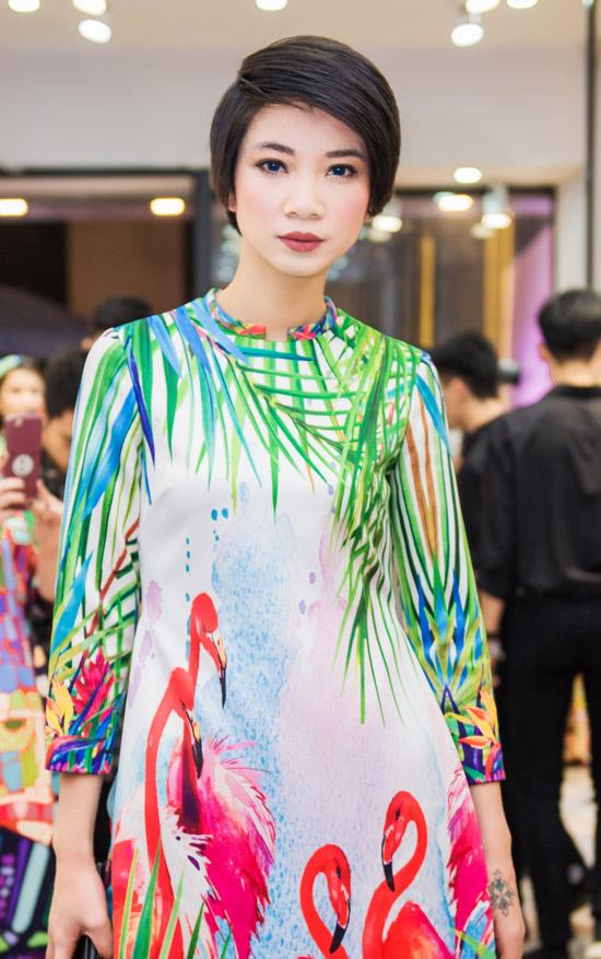 Việt Anh không sợ vợ ghen khi mặc dài đôi với Đan Lê - 10