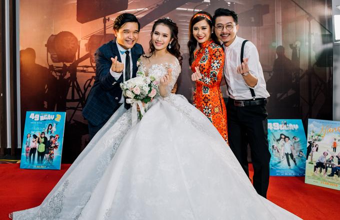 Vợ chồng Hứa Minh Đạt - Lâm Vĩ Dạ tình tứ trước ống kính.