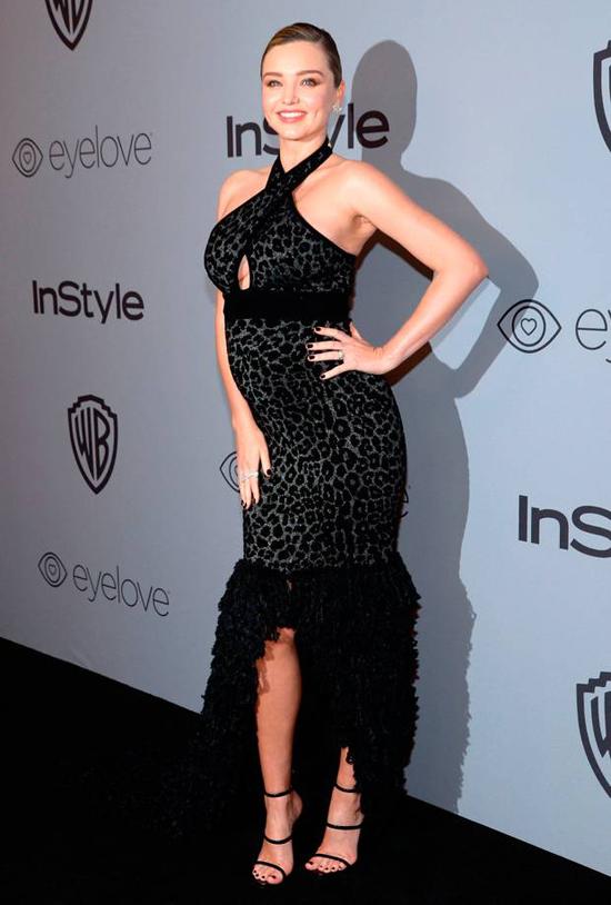 Miranda Kerr tham dự bữa tiệc mừng lễ trao giải Quả cầu vàng của tạp chí InStyle và hãng Warner Bros. Cô là khách mời thường xuyên trong nhiều năm qua.