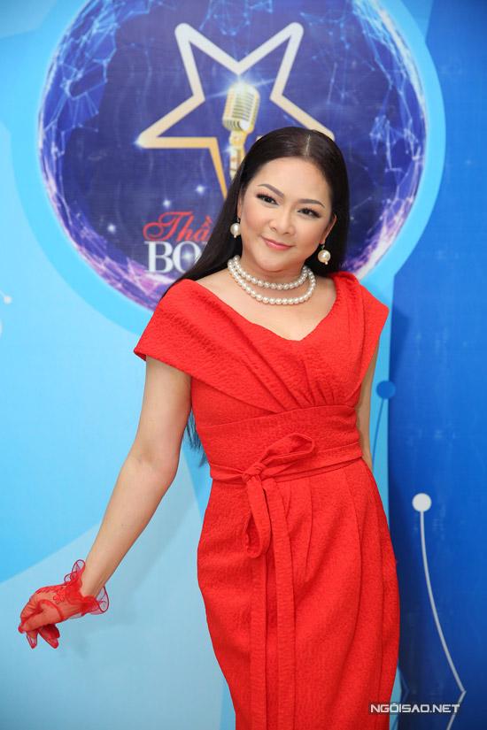 Để về Việt Nam ghi hình cho Thần tượng Bolero và tổ chức liveshow ở Hà Nội, Như Quỳnh đã hủy toàn bộ lịch trình ở hải ngoại. Chị cũng nhờ mẹ chăm sóc cho con gái trong thời gian mình xa nhà.