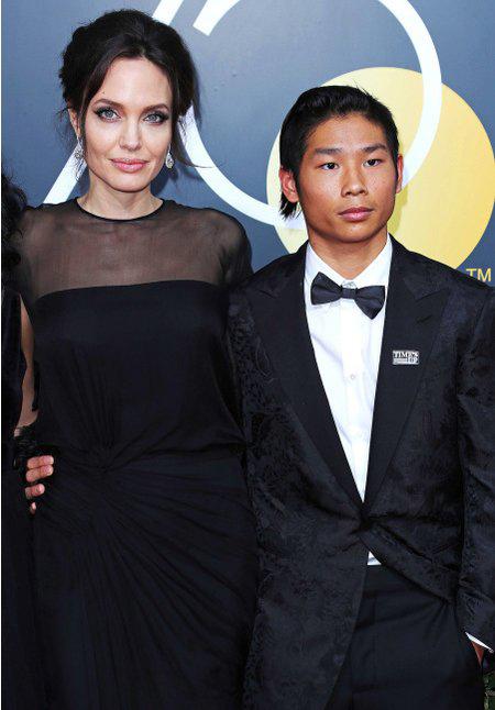 Cậu con nuôi người Việt vừa bước sang tuổi 14 vào tháng 11/2017. Pax đã trở thành một nam thiếu niên chững chạc, rắn rỏi.