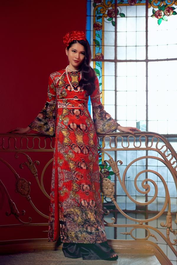 Với Secret Garden nhà tạo mẫu Việt muốn đánh dấu một khởi đầu mới, một chặng đường mới với thế giới thời trang của chính mình.