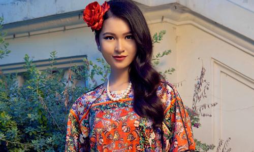 Adrian Anh Tuấn mang áo dài đến sàn diễn quốc tế