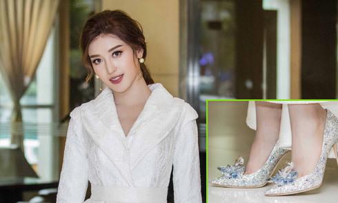 Huyền My khoe giày hiệu limited giá 100 triệu khi đi event