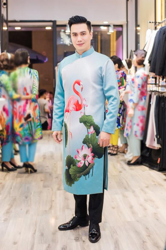 Việt Anh không sợ vợ ghen khi mặc dài đôi với Đan Lê - 14