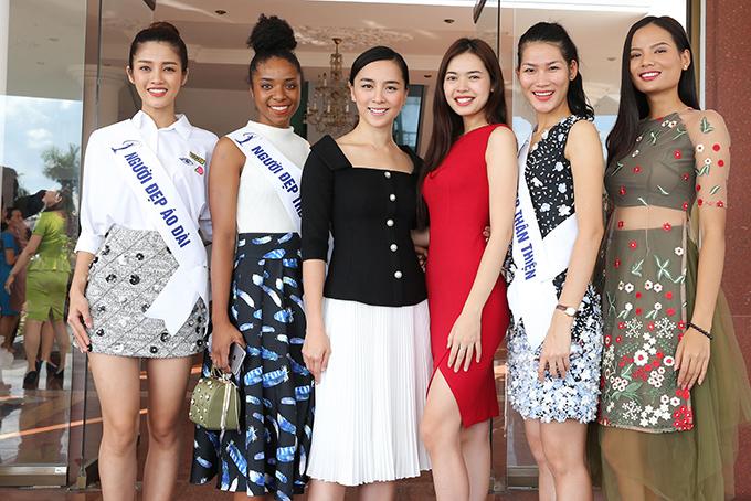 HHen Niê và hai Á hậu đọ sắc cùng Miss Universe 2008 Dayana Mendoza - 9
