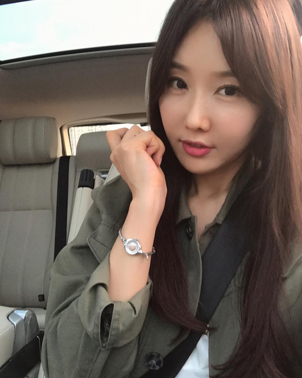 Không chỉ nổi tiếng tại Hàn Quốc, ngày 7/1 vừa qua, hình ảnh và thông tin của Lee Soo Jin xuất hiện trên rất nhiều trang mạng tại Đài Loan.
