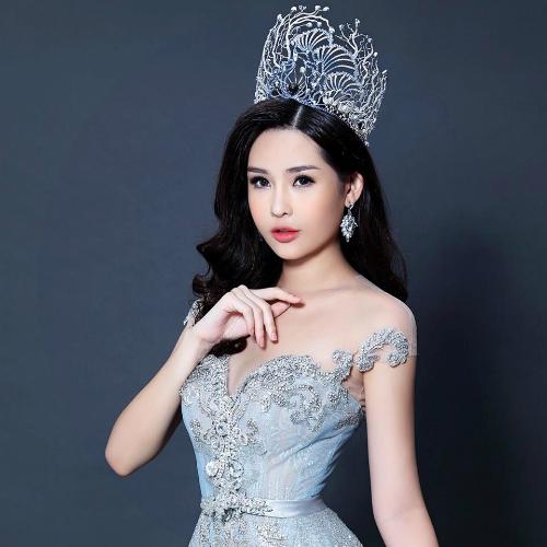 Tân Hoa hậu Đại dương Việt Nam 2017 động viênHHen Niê khi bị cộng đồng ném đá về nhan sắc.