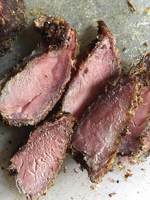 Món thịt lợn gác bếp thành phẩm. Ảnh: Anh Anh