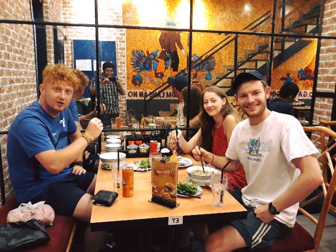 Thưởng thức hơn 40 món Việt tại nhà hàng Truly - 2